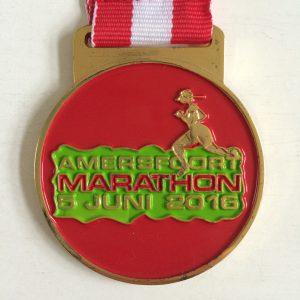 hardlopen medaille halve marathon Amersfoort